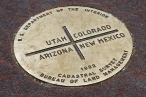 Central marker at the Four Corners monument. Photo by Bugsy