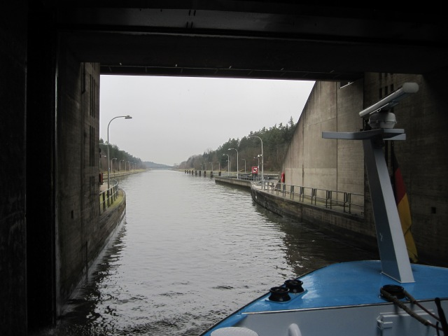 Finally we proceed to the lower canal. Total time elapsed - about 30 minutes.