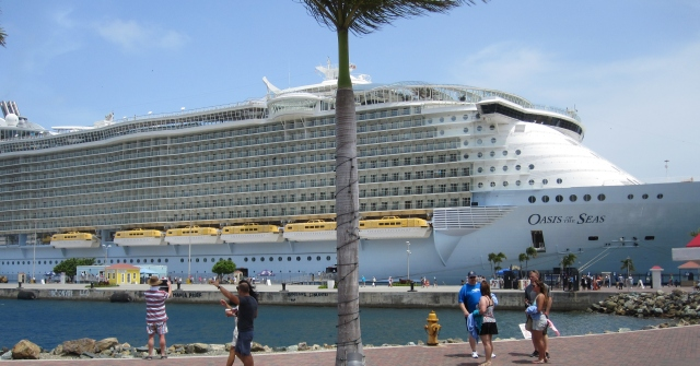Oasis of the Seas is one of the largest ships at sea. Smaller ships might well suit you better. Picture by J. Emmons