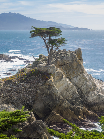 This view rewards those who drive to Carmel's Pebble Beach. Photo by Melastmohican | Dreamstime